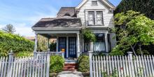 East Bay California residential home with small pumpkin on porch